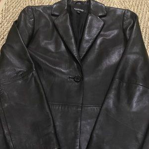 EMANUEL UNGARO EUC 100% soft black leather coat